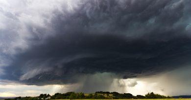 Unwettergefahr mit Starkregen und Tornados