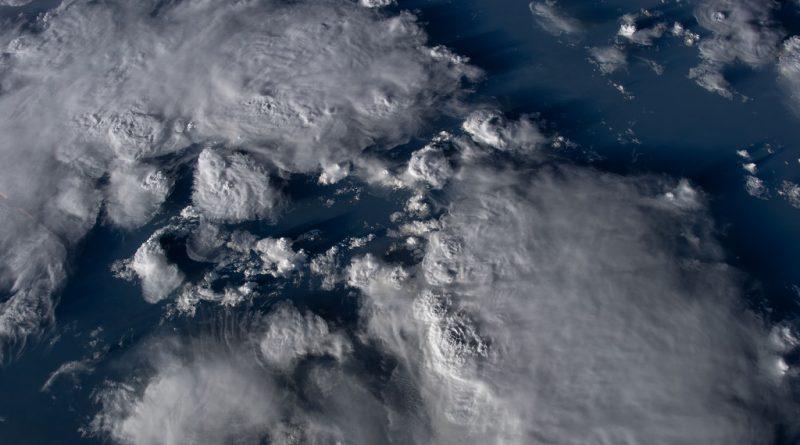 Tropengewitter: Brutstätte für Hurrikane
